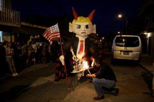 Pinata trump : scandale politique au Guatemala